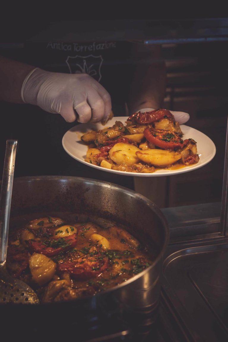 Ταβέρνα Ξυλούρης, Πιάτα, Φαγητό.